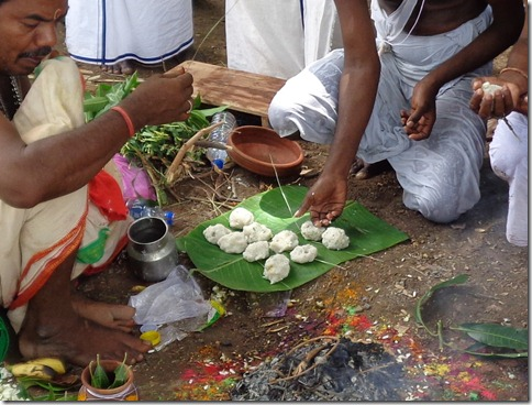 A Kariyam, a Tamil Death Ceremony | Living in the Embrace of Arunachala
